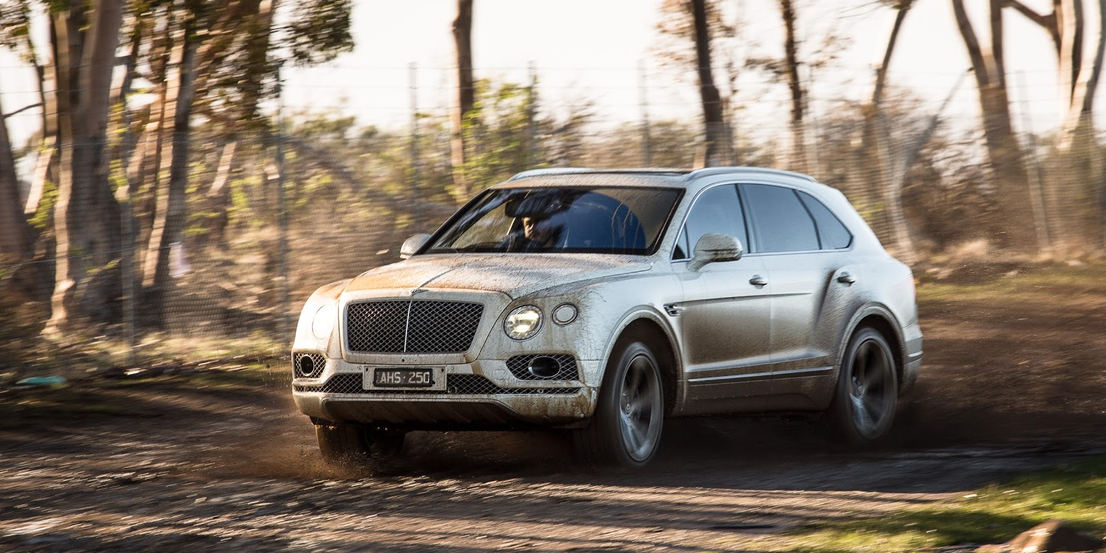 Chưa bao giờ chúng ta nghĩ rẵng những chiếc Bentley có thể làm được điều như vậy