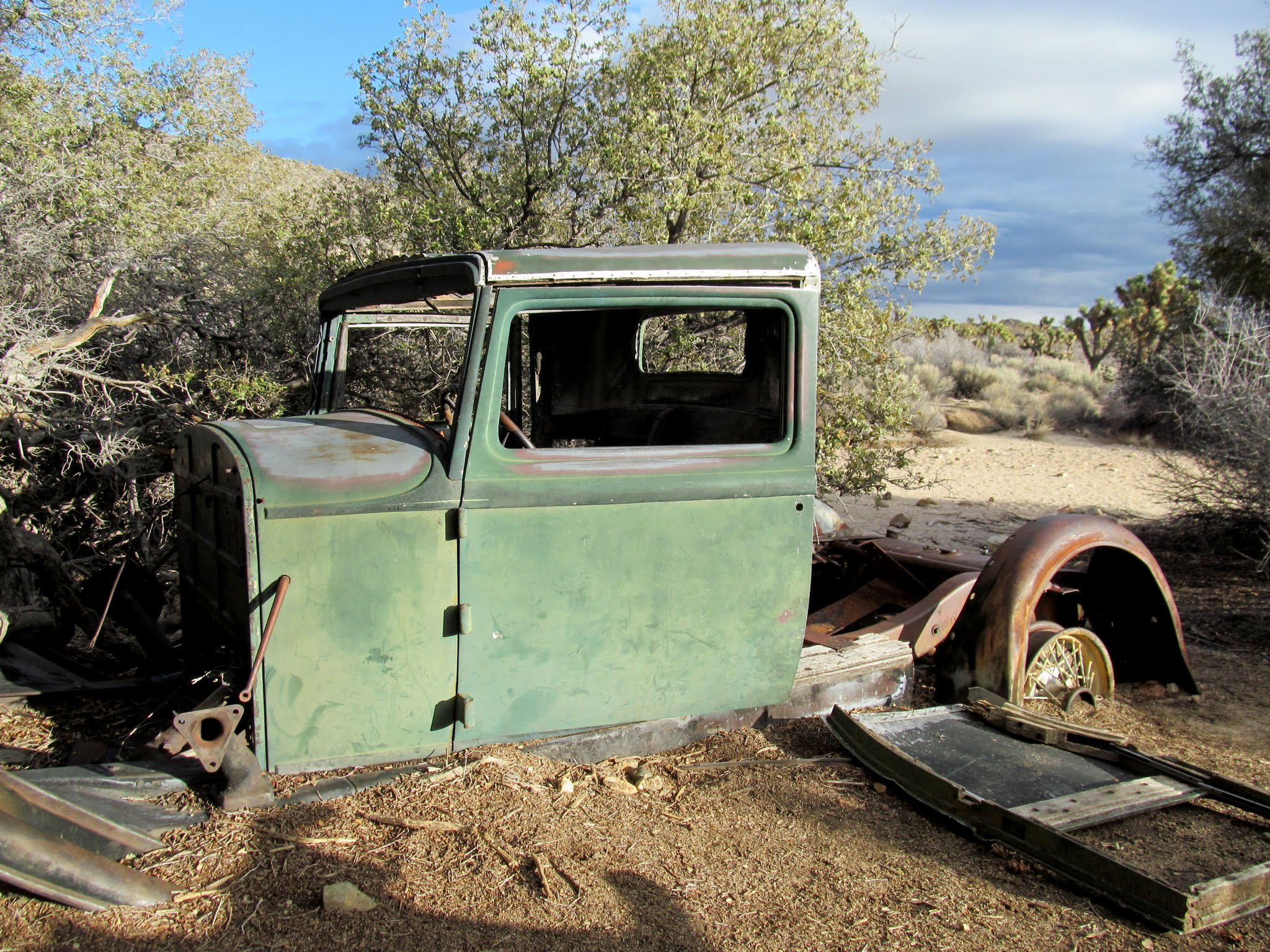 Photo: Old truck near Wall Street Mill