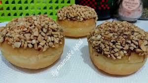 Peanuts Donuts