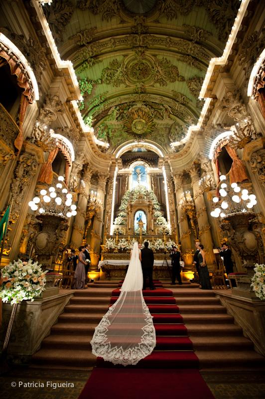 Foto de casamento 0864 de Ana e Joao. Marcações: 29/10/2011, Casamento Ana e Joao, Igreja, Igreja Sao Francisco de Paula, Rio de Janeiro.