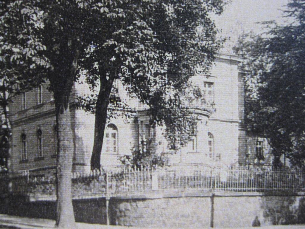 [Chemnitz+house+pre-war+higher+res%5B6%5D]