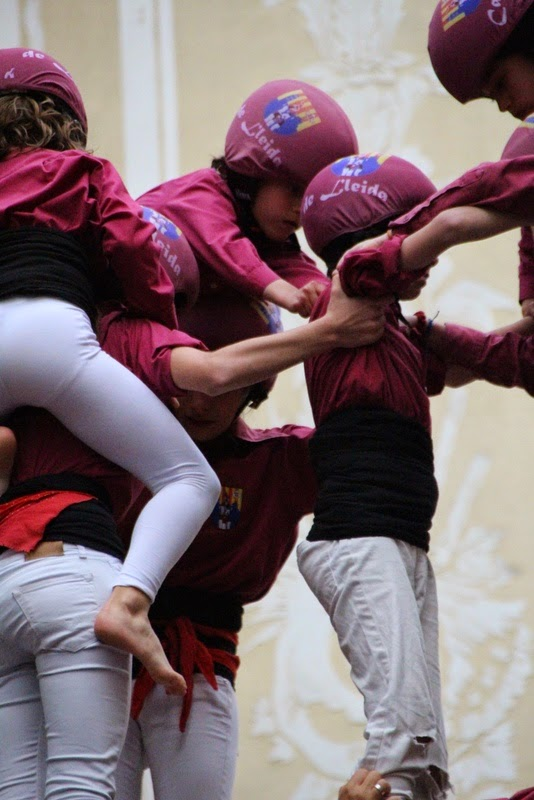 Actuació 20è Aniversari Castellers de Lleida Paeria 11-04-15 - IMG_8980.jpg