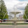 04-05-2013 | Warszawa | Park Saski, a w tle kawałek Grobu Nieznanego Żołnierza i Plac Piłsudskiego