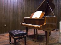 03 A zongora.JPG