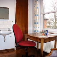 Room 08 Desk