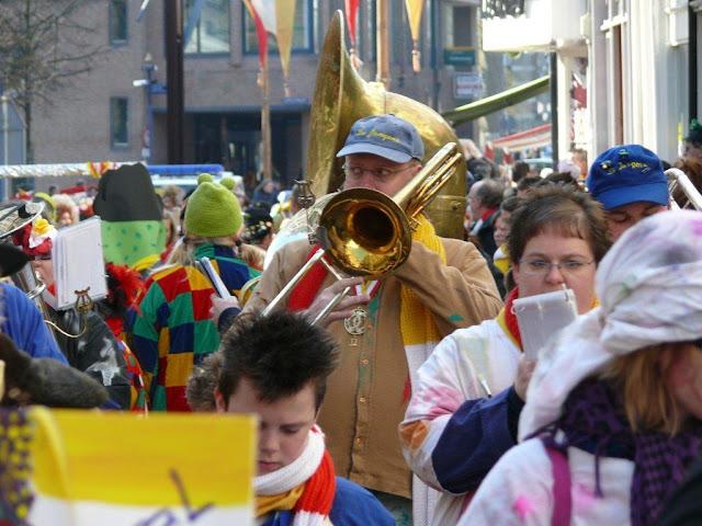 2011-03-06 tm 08 Carnaval in Oeteldonk - P1110640.jpg