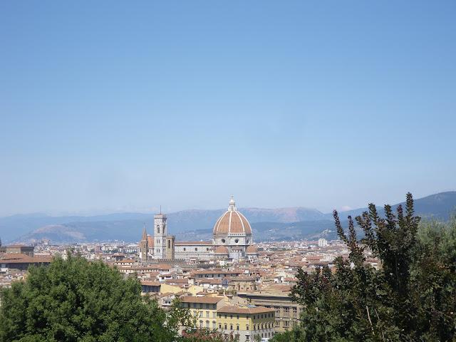Vista de la cúpula de Bruneleschi por fuera, catedral de florencia