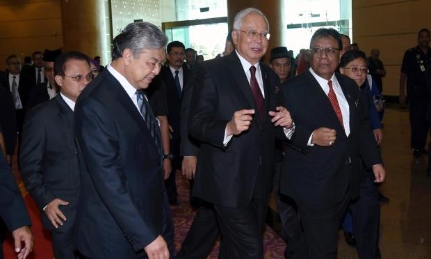 Perdana Menteri umum gred baharu untuk pendidik