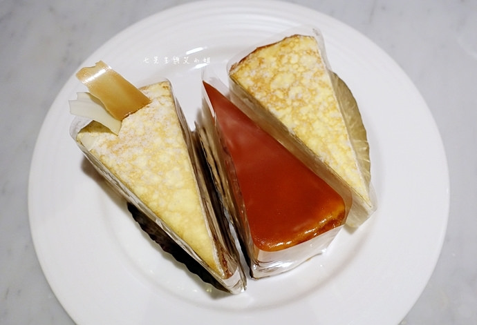 18 台南 深藍咖啡館 千層蛋糕
