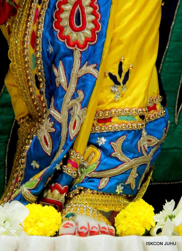 ISKCON Juhu Sringar Deity Darshan 22 Nov 2016 (46)