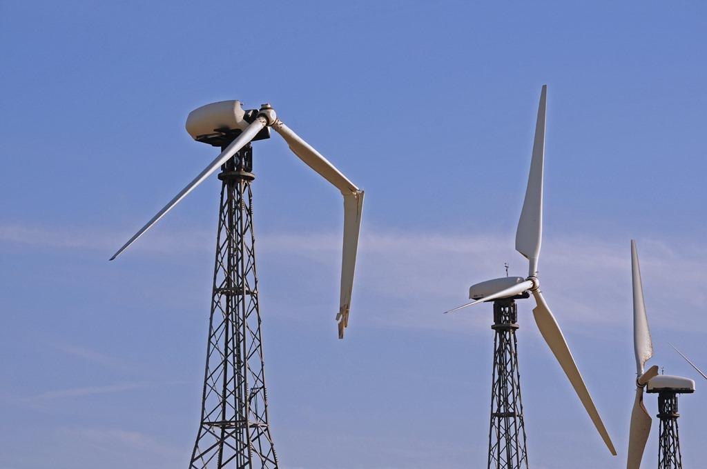 [Broken-wind-turbine%5B3%5D]
