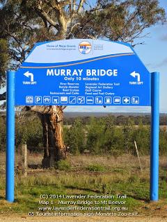 05 Tourist information sign-Monarto Zoo exit