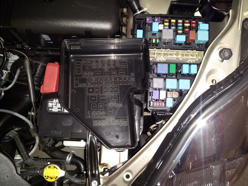 empty fuse slot in underhood fuse box