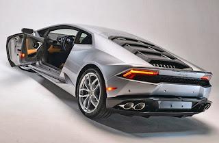 2015-Lamborghini-Huracan-11