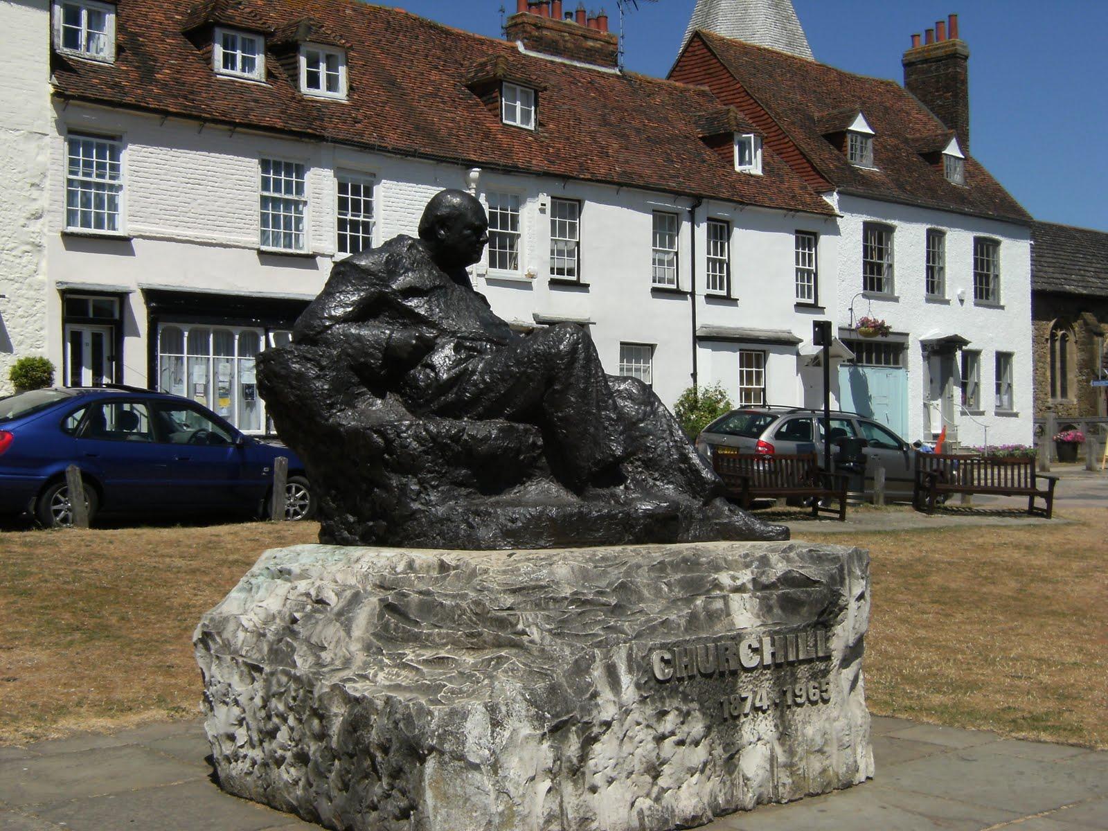 1007100005 Statue of Churchill, Westerham Green