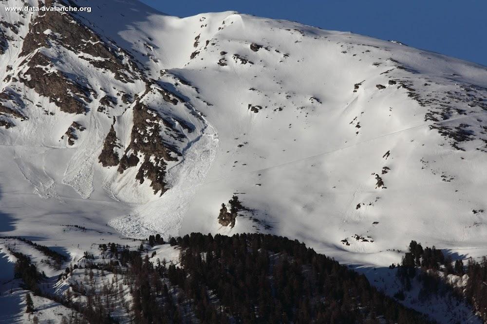 Avalanche Haute Maurienne, secteur La Norma, Au dessus de la piste des Crêtes (fermée !) - Photo 1
