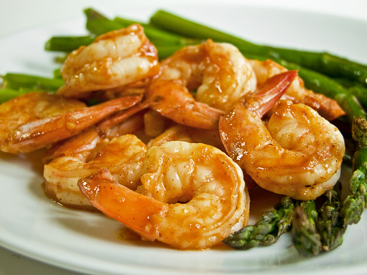 ... garlic shrimp and asparagus came together very quickly for a delicious