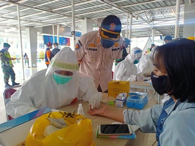 Antisipasi Penyebaran Covid-19, Warga Masuk Kota Bogor di Rapid Test