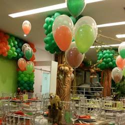 Centros de mesa com balões