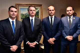 Denúncias de ex-cunhada de Bolsonaro faz seus  filhos ficarem calados sobre as rachadinhas