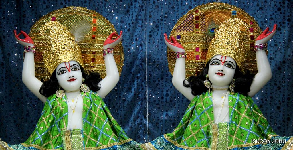 ISKCON Juhu Mangal Deity Darshan on 5th Sep 2016 (39)