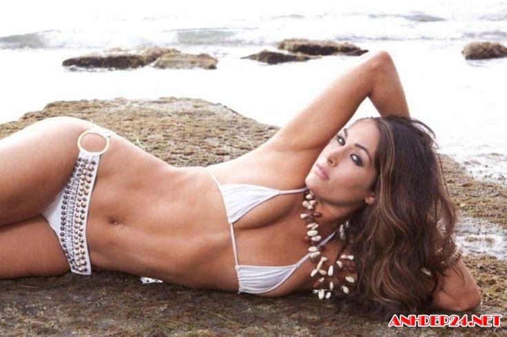 Nikki Bella gái đẹp nóng bỏng với bộ ngực khủng