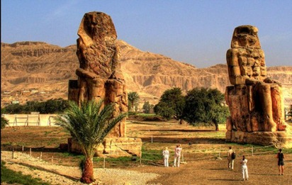 photo-Colossi-of-Memnon-1