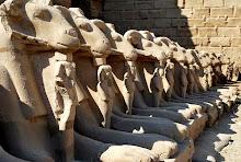 karnak-sphinxes-2