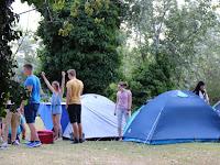 14. Újabb sátrak emelkedtek (fotó Szinek János).JPG
