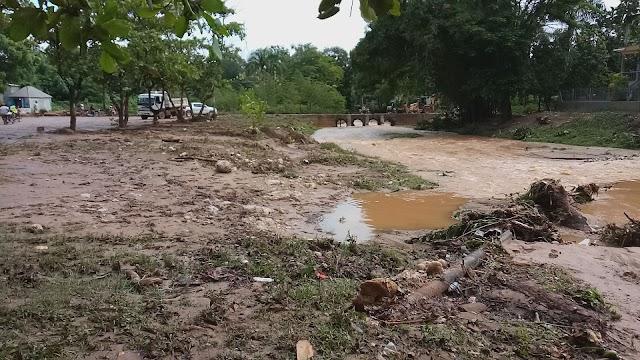 Moradores del Limón de Samaná se queján por  falta del Puente.