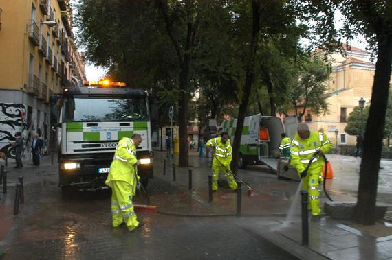 Revisión de los contratos de limpieza y conservación de espacios públicos y zonas verdes