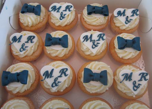 008- Bruiloft cupcakes.JPG