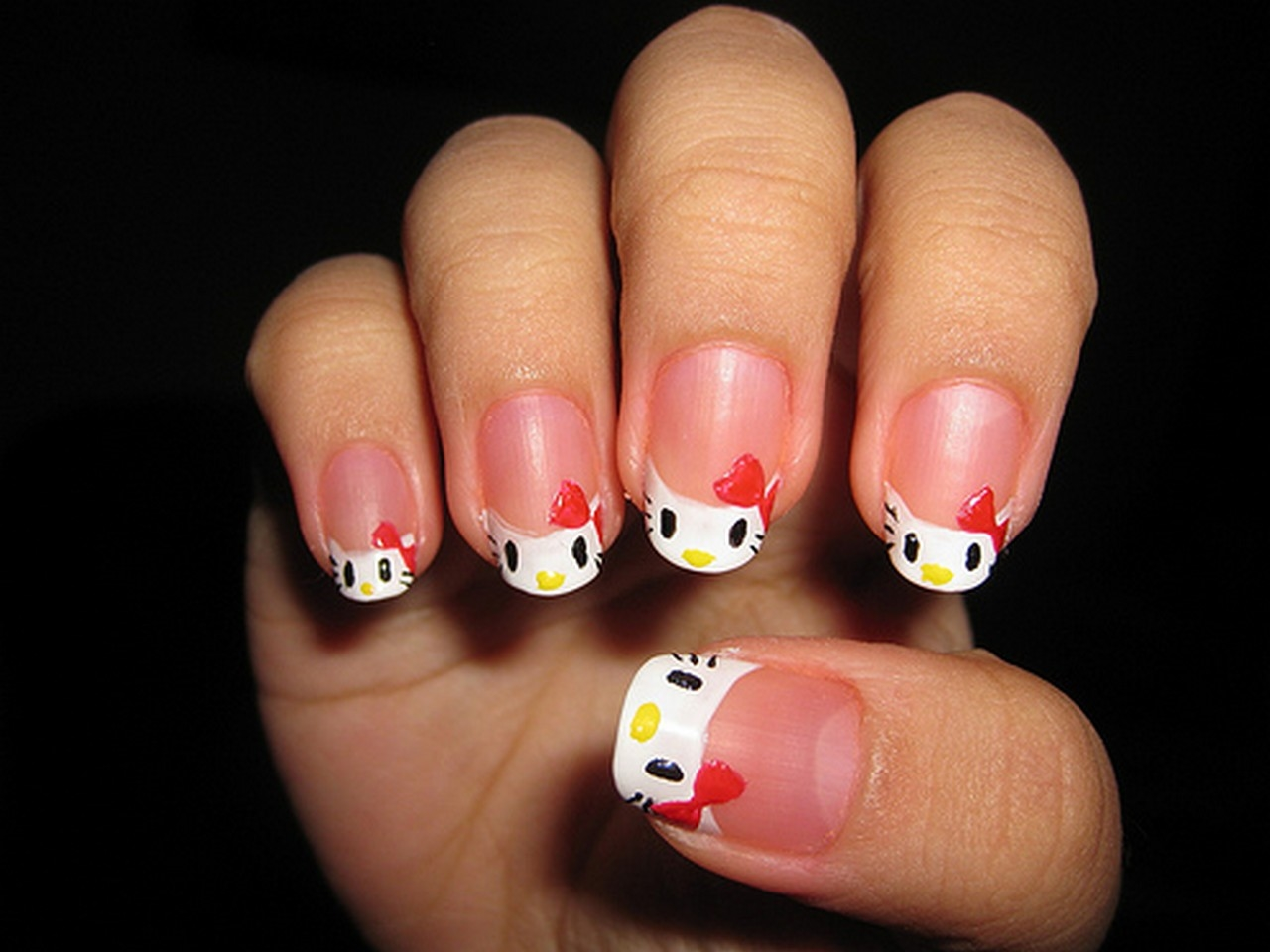 Newest Hello Kitty Nail Art Designs