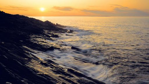 Sunrise at Pemaquid Point, Bristol, Maine.jpg