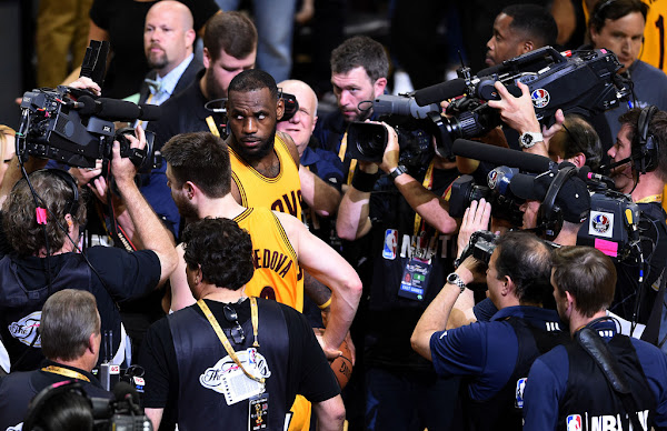 LeBron and Delly Carry Cavs to Grab 21 NBA Finals Lead over Warriors