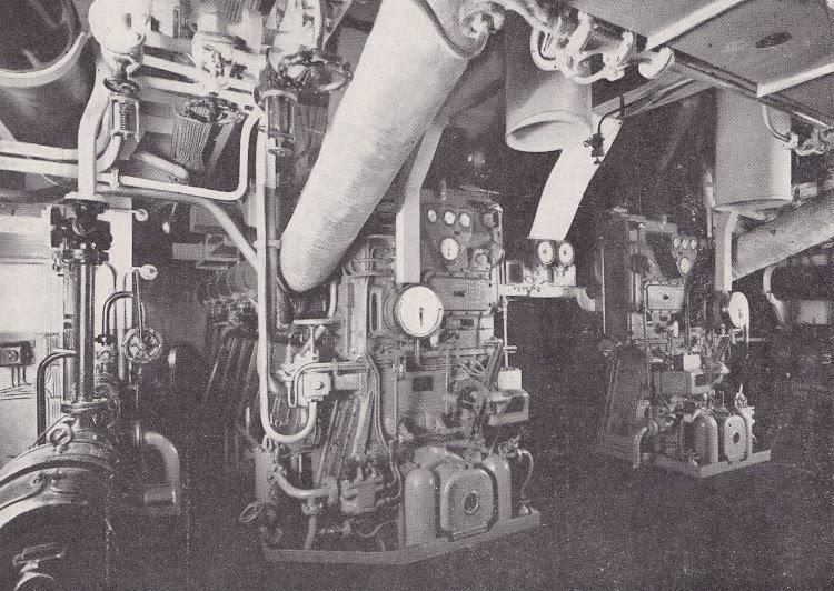 14- CIUDAD DE IBIZA. Otra vista de la sala de maquinas. Revista de Ingenieria Naval. Mayo de 1933.jpg