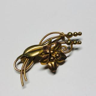 10 Kt. Gold Floral Brooch