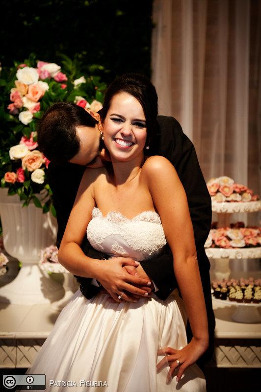 Foto de casamento 1850 de Nathalia e Fernando. Marcações: 04/12/2010, Casamento Nathalia e Fernando, Niteroi.