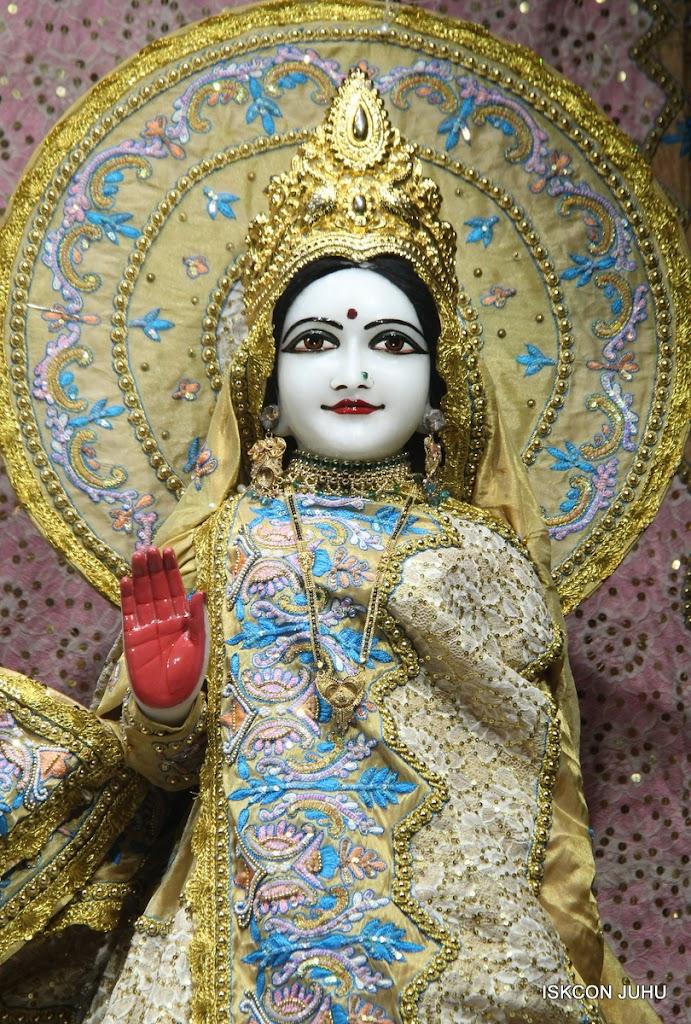 ISKCON Juhu Mangal Deity Darshan on 29th May 2016 (7)