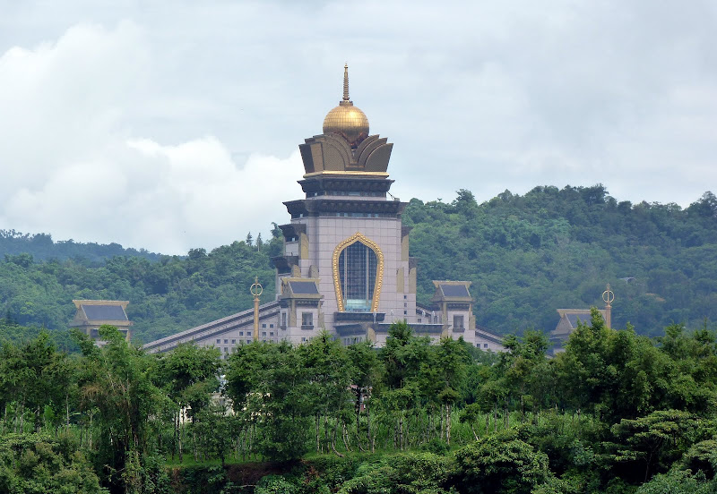 Chung Taichan monastery, second plus grand temple Boudhiste au monde