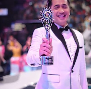 irfan hakim pemenang presenter ngetop sctv awards 2016