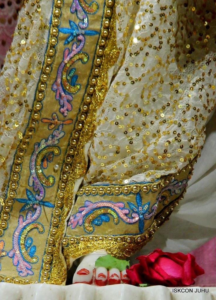 ISKCON Juhu Mangal Deity Darshan on 24th July 2016 (30)