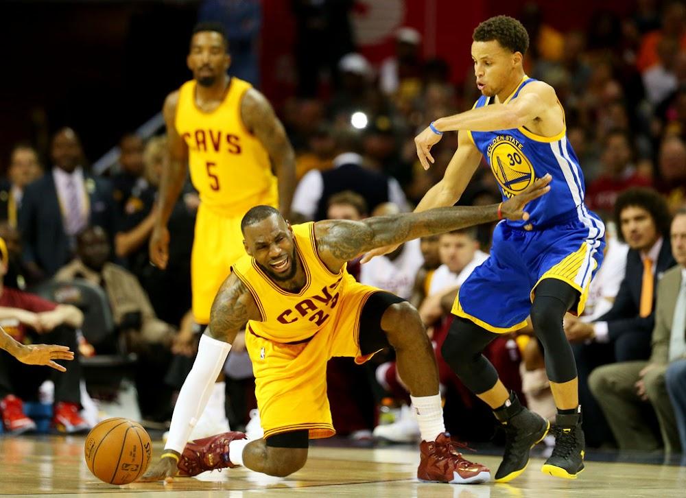 "King James Wears ""Wine&Gold"" LeBron 12 PE in Game 4 Loss | NIKE LEBRON - LeBron James Shoes"