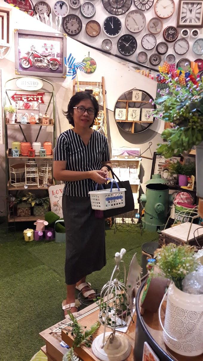 Belanja Pernak-Pernik Di Bandung
