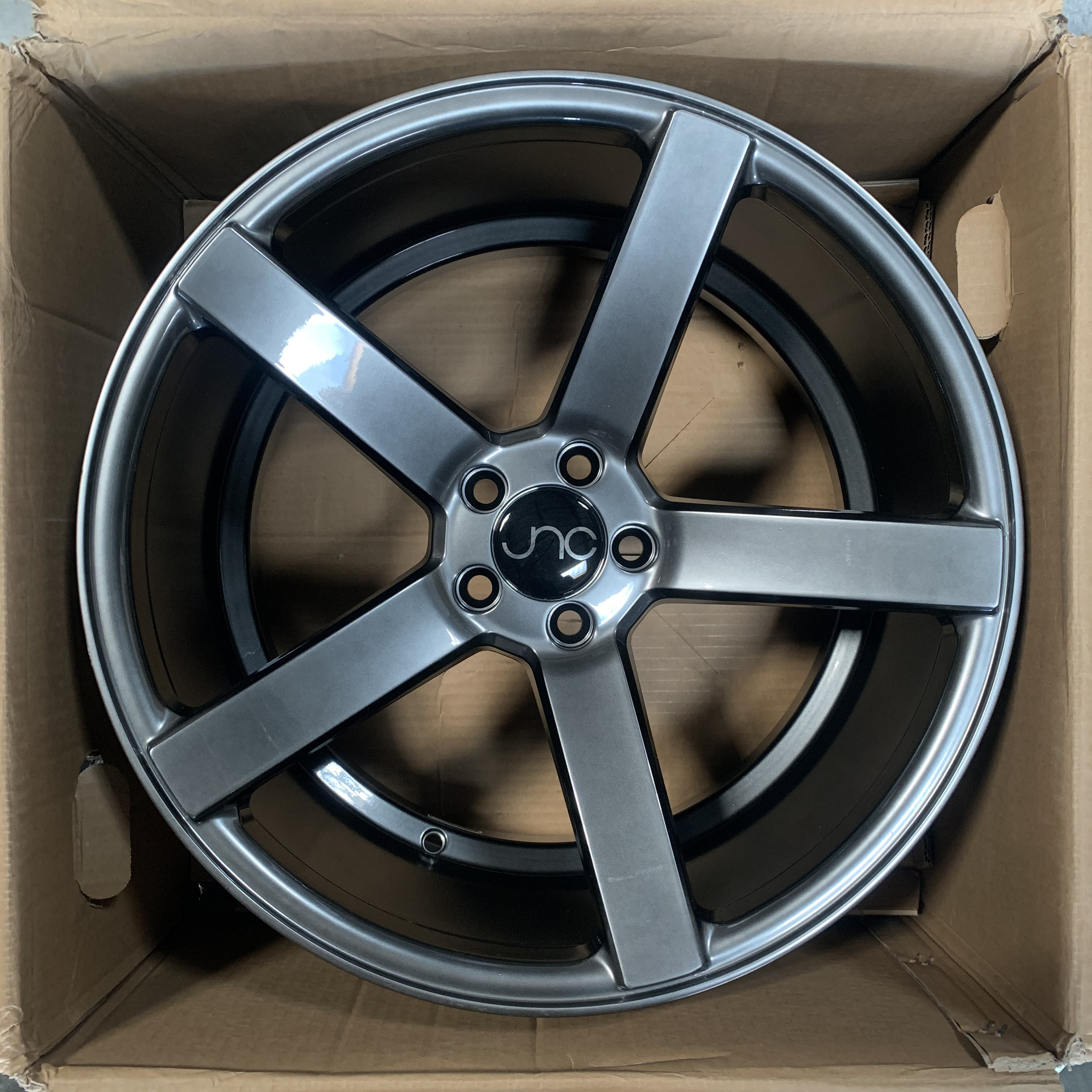 JNC 026 Hyper Black 18x9 5x100 32 Wheel//Rim