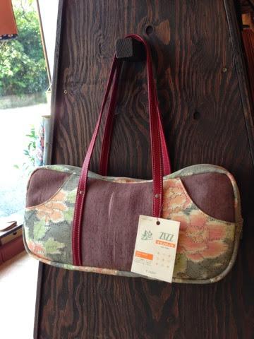 http://www.zizz-shop.com/kanseihin2/a_arch_itiran_01.htm