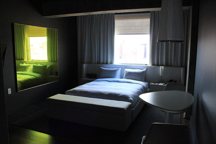 hotel review hotel zero 1 in montreal canada pauly4it 39 s blog. Black Bedroom Furniture Sets. Home Design Ideas