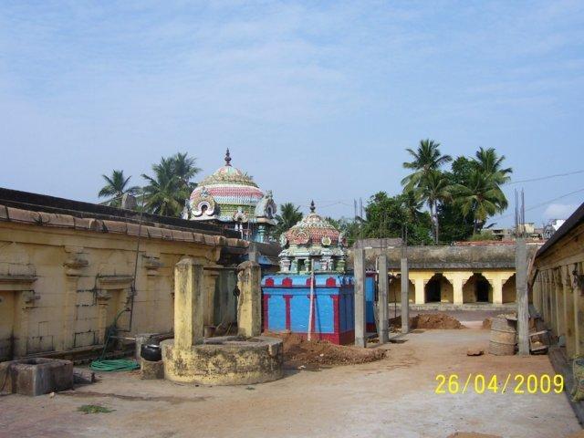 Sri Abathsahayanathar Temple, Thenkurangaduturai, Mayiladuthurai - 275 Shiva Temples
