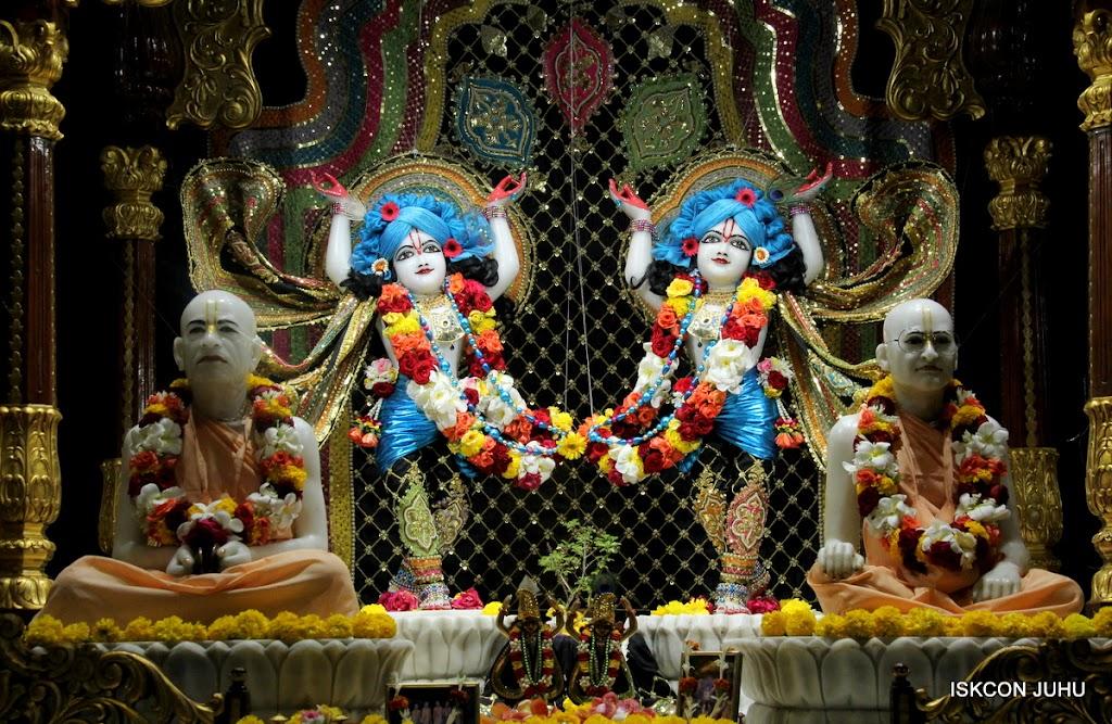 ISKCON Juhu Sringar Deity Darshan 09 Apr 16 (36)