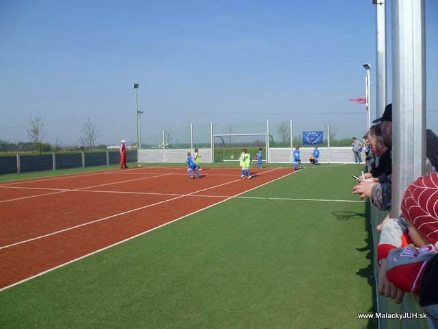 Veľkonočný medzinárodný ZLATÝ futbalový turnaj ČSFA (17.4.2011) - P1020036.JPG